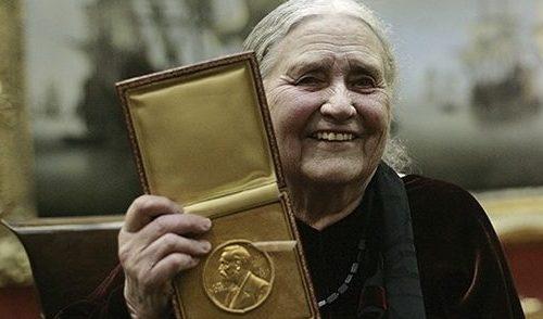 MEMORIE DI UNA SOPRAVVISSUTA (Memoirs of a Survivor, 1974) di Doris Lessing